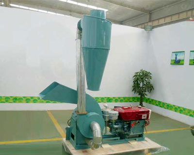 TFS420 hammer mill with diesel engine